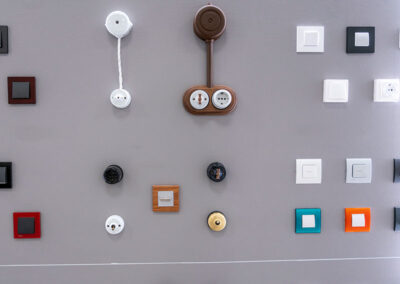 electricidad-showroom-mecanismos