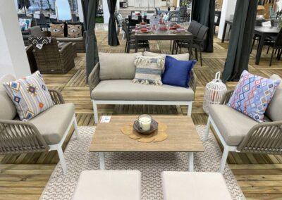 showroom-mobiliario-exterior-consjunto-salon