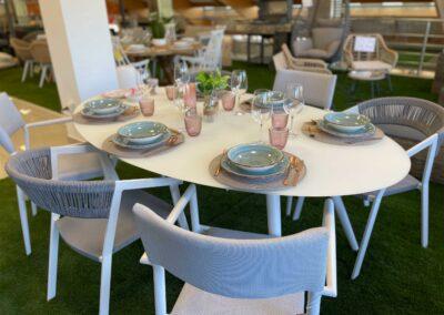 showroom-mobiliario-exterior-mesa-blanca