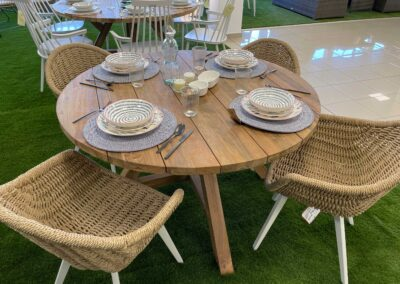 showroom-mobiliario-exterior-mesas-madera