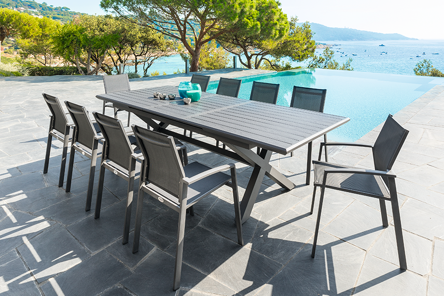 showroom-mobiliario-exterior-mesas-sillas