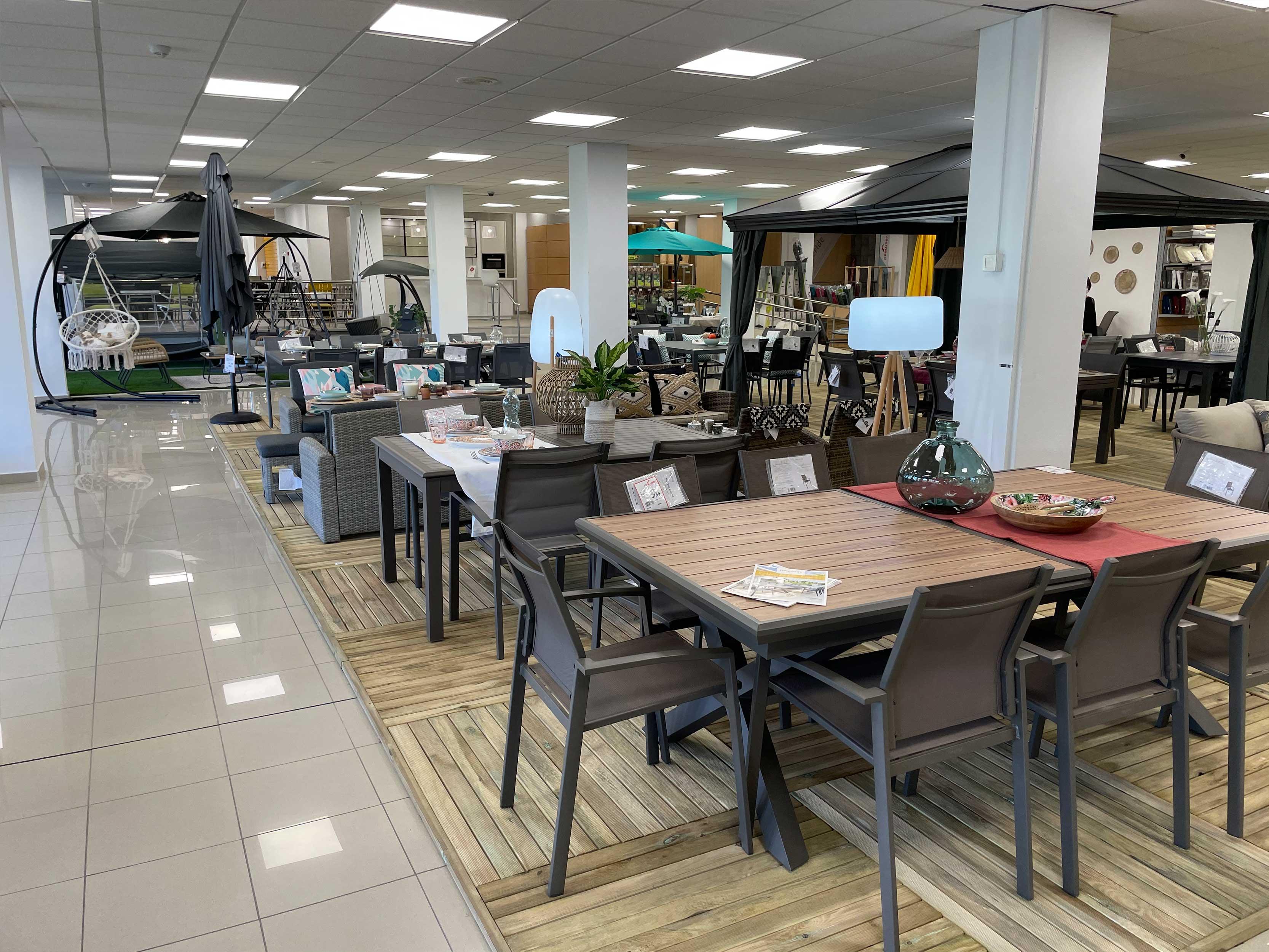 showroom-mobiliario-exterior-mesas